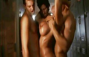 बिस्तर में एक गोरा सेक्सी एचडी वीडियो हिंदी मूवी के साथ सेक्स